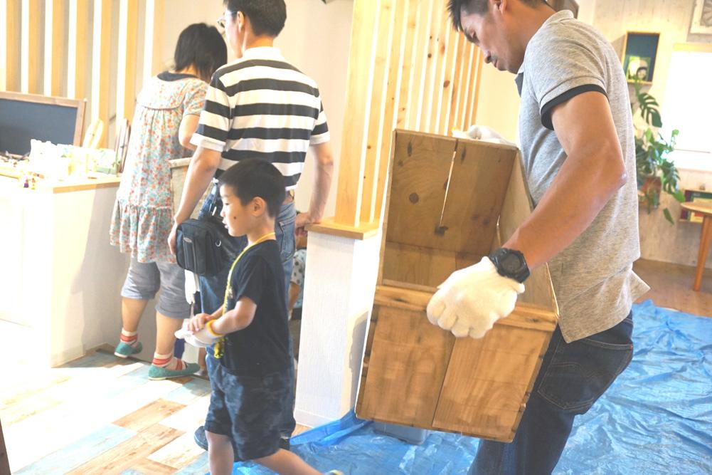 第4回H・DIYスクール、『座れる収納ボックス』作り、外に移動